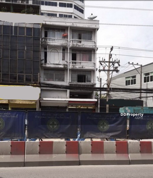 Bangkok Shophouse Lat Phrao Road BRE5461 #71159115