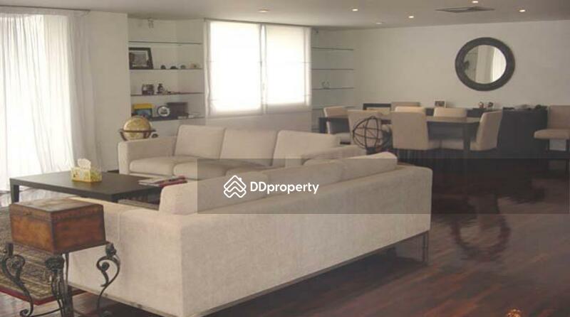 The spacious greenery apartment