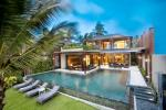 Stunning 5 bedroom beachfront villa [HHKT25588