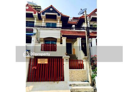 ให้เช่า - Royal Nakarin Villa. Sukhumvit 77   ให้เช่าบ้าน  : หมู่บ้าน รอยัลนครินทร์วิลล่า สุขุมวิท 77