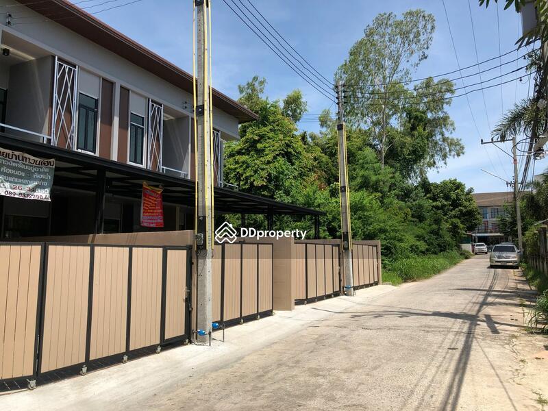 Townhouse in Bang Lamung, Chon Buri #72648961