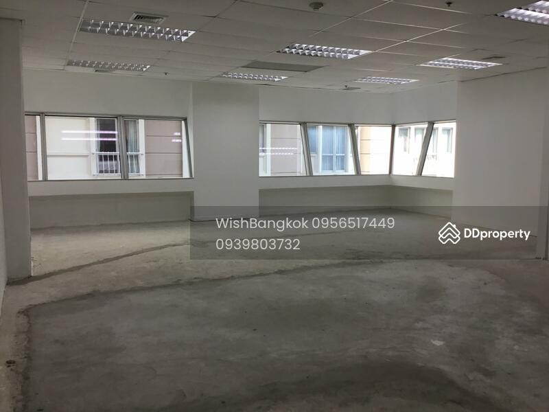 Office For near BTS Rajdamri ออฟฟิศให้เช่า ใกล้รถไฟฟ้า ราชดำริ #72813243