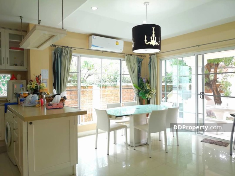 Detached House in Khlong Luang, Pathum Thani #73354037