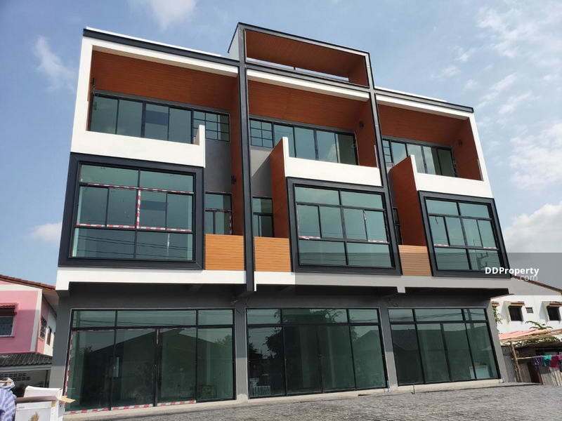 For Sale Pathum Thani Home Office Showroom Lam Luk Ka near Kanchanaphisek motorway BRE13063 #74364245