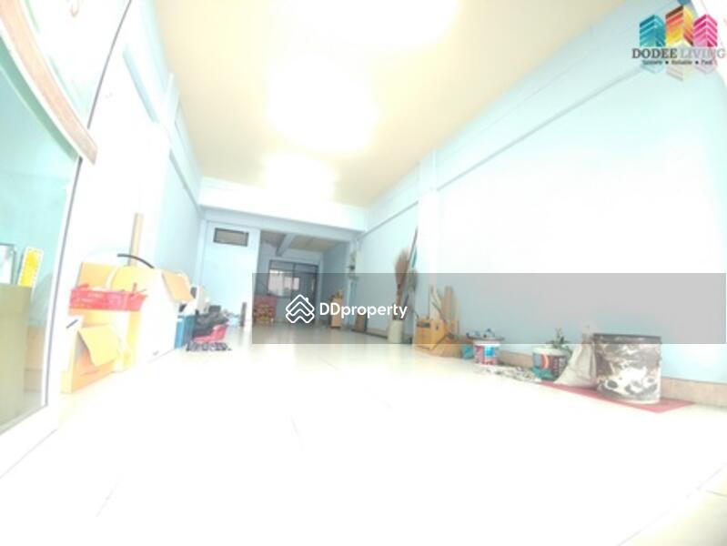ขาย อาคารพาณิชย์ 1 คูหา อ่อนนุช ติดถนนใหญ่ 21.3 ตรว. 219. 67 ตรม. 4 ชั้นครึ่ง สวยพร้อมอยู่ 083-626-9789 ref-id: FCS055 #75275917