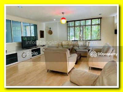 ให้เช่า - 4 Bed Townhouse For Rent in Sukhumvit BR8555TH