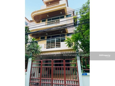 For Rent - For rent single house, townhome, Sukhumvit 31 - 4 bed, 5 bath 400 sqm, 70, 000 baht, please contact 0932181290 Khun Kae