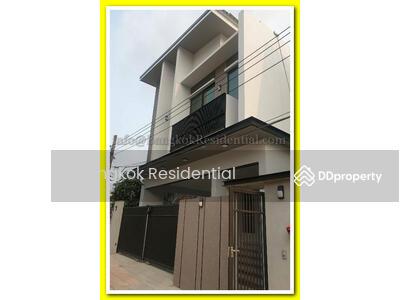 ขาย - 3 Bed Single House For Sale in Phra Khanong BR27690SH