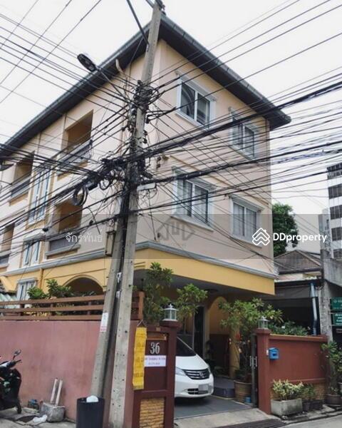 ขายบ้าน ห้วยขวาง ใกล้รถไฟฟ้า MRT แบบเดินถึง 3 ชั้น 4 ห้องนอน หลังมุม ปรับปรุงใหม่ สวยเกินราคา #76265147
