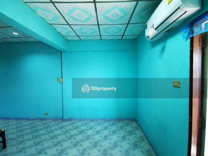 ห้อง แอร์ เฟอร์นิเจอร์ ใหม่ยกห้อง เตียงนอน ที่นอน ตู้เสื้อผ้า โต๊ะเครื่องแป้ง