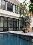 ขายบ้านเดี่ยว สวย รีโนเวทใหม่ มีสระว่ายน้ำ ใจกลางเอกมัย