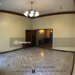 ให้เช่า - Townhouse for rent  office at Sukhumvit soi 33
