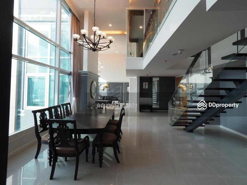 Circle Condominium #77134353