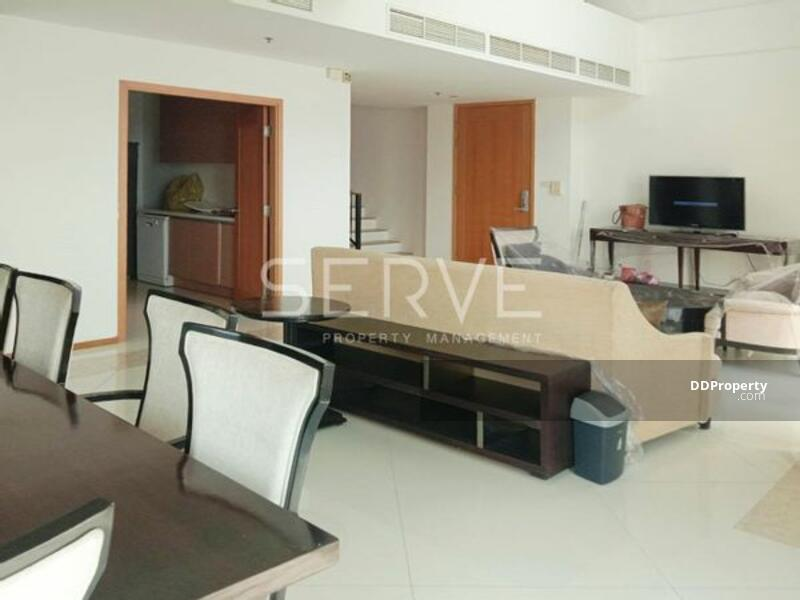 Good Deal Duplex Penthouse 3 Bed with Bathtub Unit on High Fl. in Sathorn Area  BTS Chong Nonsi -The