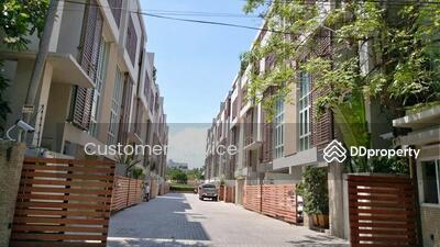 For Sale - CRP-S1-TH-630126 Park Lane Ekamai 12, Town Home 4 bed 5 bath, 300 sqm. 4. 5 Floor, Close  BTS Ekamai