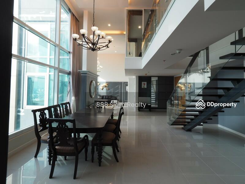 Circle Condominium #77385323
