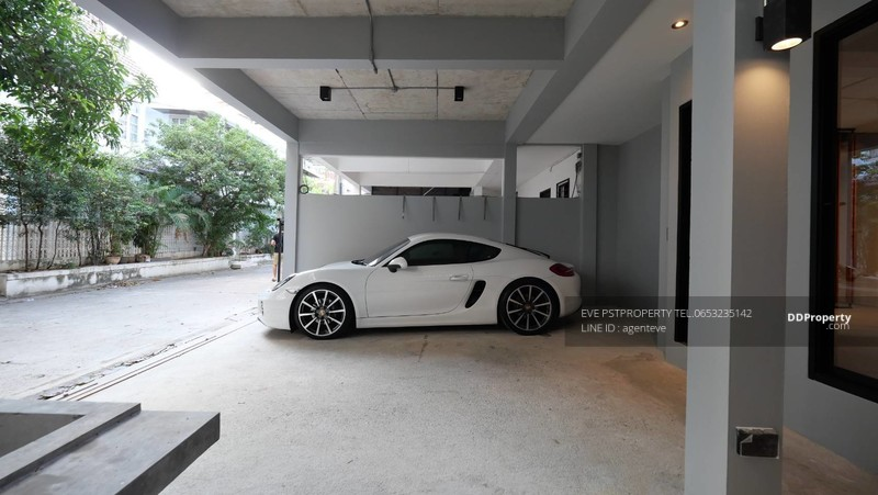 TOWNHOME IN PHROM PHONG #77412733