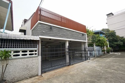 For Rent - HOUSE FOR RENT RACHADA SOI 3 ( PST-EVE054 )