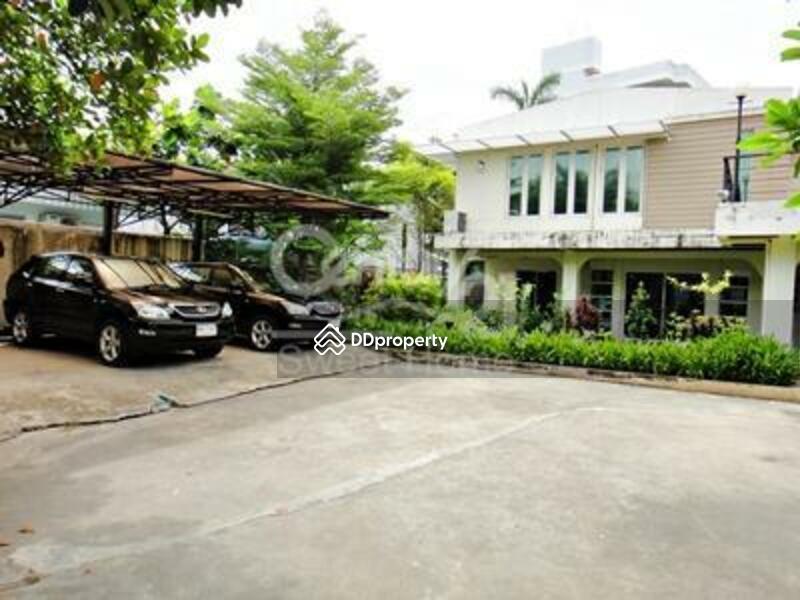 Villa #77762183