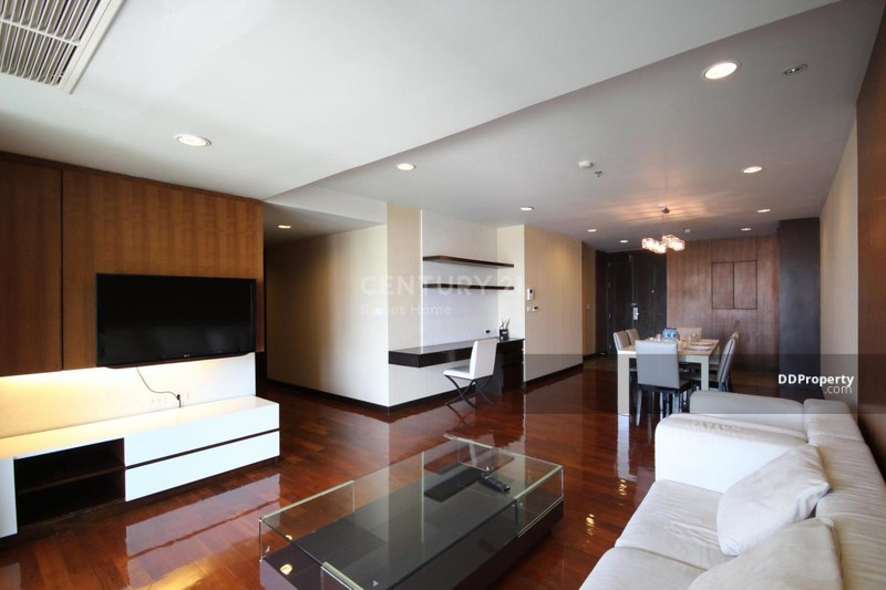 Double Tree Residence #77768109