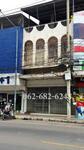 #ตึกแถว 2. 5 ชั้น มีดาดฟ้า นครสวรรค์ ติด ถ. สวรรค์วิถี ใกล้ ธกส  ร้าน 2+1