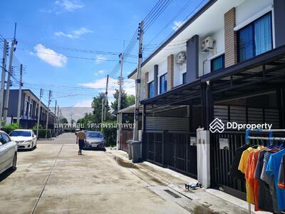 ขาย - ปรับลดราคา ทาวน์โฮม ยูนิโอ ทาวน์ ลำลูกกา คลอง 4 บ้านใหม่น่าอยู่ ใกล้ตลาด AC และ Big C  ตกแต่งสวย ครัวบิ้วอิน  พร้อมอยู่  ราคา 2, 595, 000. 00 บาท