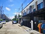 ขายทาวน์โฮม ยูนิโอ ทาวน์ ลำลูกกา คลอง 4 บ้านใหม่น่าอยู่ ใกล้ตลาด AC และ Big C  ตกแต่งสวย ครัวบิ้วอิน  พร้อมอยู่  ราคา 2, 595, 000. 00 บาท