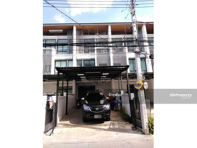 For Rent - 3-storey house for rent, Ladprao, Nakniwat, Cozy Town home, 3 bedrooms, __empty house, 2 parking space