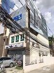 ขายอาคารพาณิชย์ พร้อมผู้เช่า (สัญญา 6 ปี ถึงปี 69) ทำเลดี ห้องมุม  ติดถนนใหญ่ รามคำแหง 98 อยู่ติดทางขึ้นลงรถไฟฟ้าใต้ดินสถานีคลองบ้านม้า