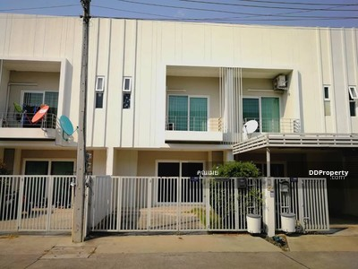 For Sale - C7MG100203 Townhome two storey for sale with fully furnished in the city center.