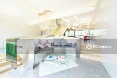 For Sale - 900167T Sale or for Rent Townhouse 4 Floors 4 bedrooms Sukhumvit 51