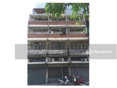ขาย - ขายอาคารพาณิชย์/ตึกแถว 4 ชั้น พร้อมชั้นลอยและดาดฟ้า จำนวน 3 คูหา พร้อมพื้นที่จอดรถ 7 คัน ด้านหลังตึก