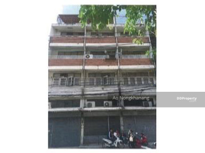 For Sale - Selling a 4-storey commercial building / commercial building with a mezzanine and a deck of 3 booths with 7 parking spaces behind the building.