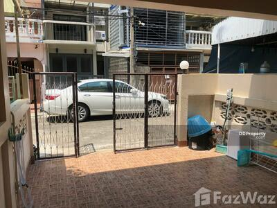 For Sale - 2 Bedroom Townhouse for sale in Phra Khanong Nuea, Bangkok