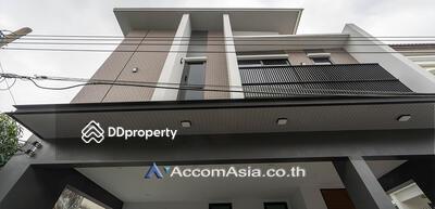 ขาย - house 3 Bedroom for sale in Sukhumvit 71 Bangkok Phrakhanong BTS AA27940