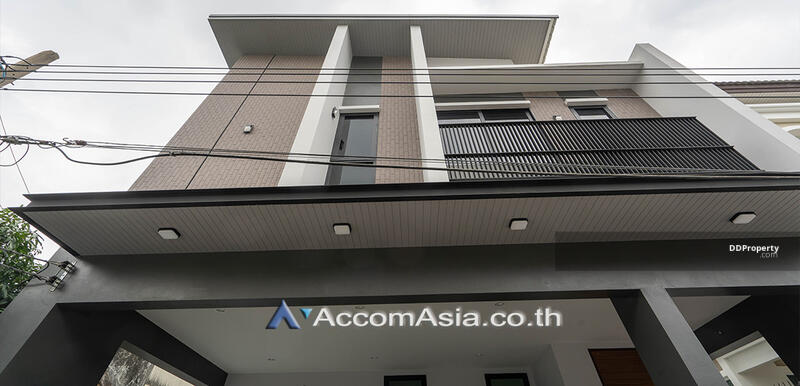 house 3 Bedroom for sale in Sukhumvit 71 Bangkok Phrakhanong BTS AA27940 #85688715