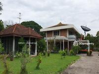 ขาย - ขายบ้านพร้อมที่ดินเนื้อที่ 305 ตรว. หมู่บ้านนวธานีถนนเมน 20 ม. x 60 ม.