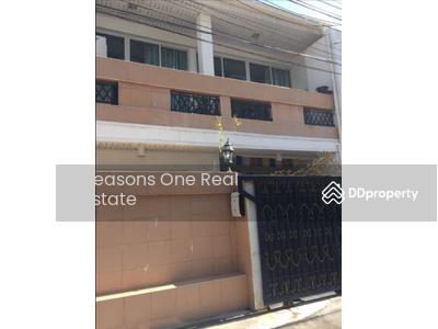 For Rent - Town House For Rent @ Sukhumvit Soi 26