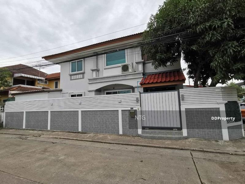 บ้านเดี่ยวหลังมุม ซอยเสรีไทย 25 #80570713