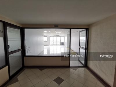 For Rent - Office space for rent Ratchada Pavilion Condo Soi Ratchadaphisek 30 Intersection 4 67 sqm. Near the Criminal Court, Civil Court, Department of Export Promotion, MRT Lat Phrao