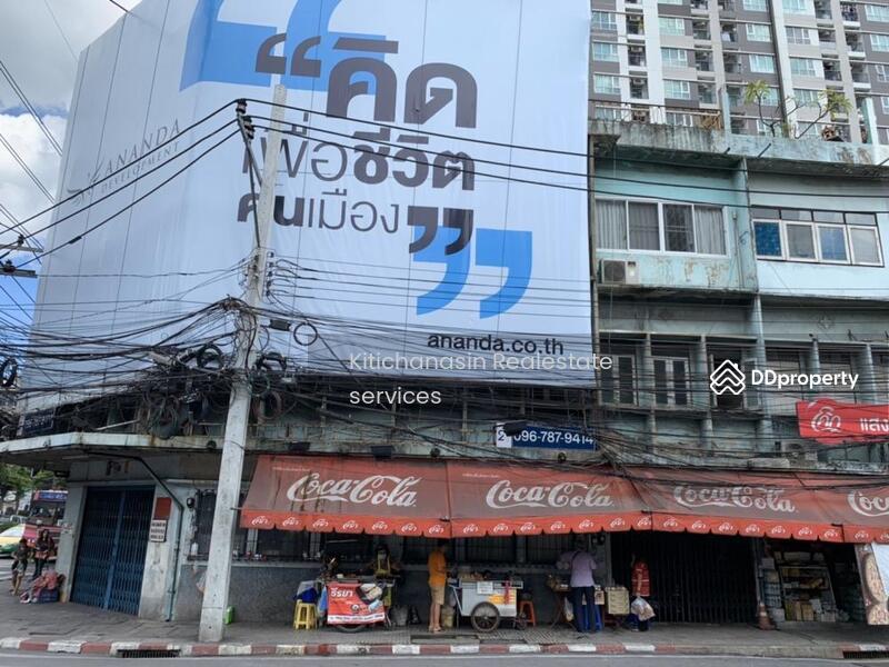 อาคารพาณิชย์ 5คูหาติดกัน ตรงหัวมุมสีแยกกล้วยน้ำไท เอกมัย #80876663