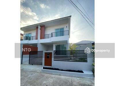 ให้เช่า - Rent  :  บ้านใหม่ตกแต่งพร้อมอยู่ ถ. รัชดาภิเษก 42 ใกล้ BTS รัชโยธิน MRT ลาดพร้าว(RT239)
