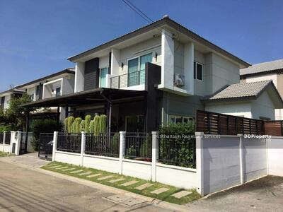 For Sale - express! Single house, new condition, CENTRO Chaiyapruek Chaengwattana, 4 bedrooms, 3 bathrooms, area of 175 sq m, area 57. 3 sq m, 2 floors, sale 6. 9 MB @LINE: 0962215326 Khun Gae