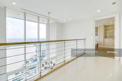 ขาย - 0060-Q SELL 3 ห้องนอน Watermark Chaophraya River เจริญนคร 065-9423251