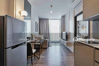 For Rent - ให้เช่า  Condo Whizdom Essence Sukhumvit (วิสซ์ดอม เอสเซ้นส์ สุขุมวิท)  ชั้น 42  ขนาด 1 ห้องนอน  ห้องสวยมาก อยู่หลัง 101 The Third Place   ติด BTS สถานีปุณวิถี    Tel. 061-289-6465