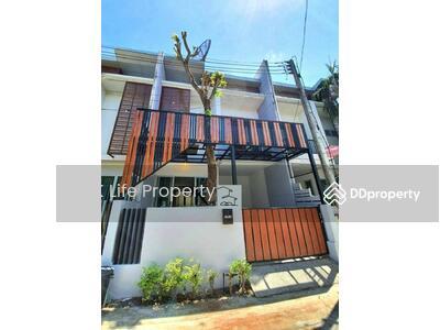 ขาย - 8S0030 ขายบ้าน ราคา 2, 990, 000 บาท โซนฉลอง ขนาด 18 ตรว 2ห้องนอน 2 ห้องน้ำ พร้อมเข้าอยู่