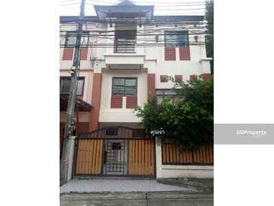 For Rent - 6AR40030  Townhome for rent with 2 Bedrooms, 3 Bathrooms, Price to rent    25, 000  baht per month .