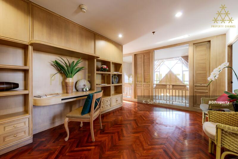 (S-C1951) UNIQUE THAI-TRADITIONAL PENTHOUSE IN SATHORN FOR RENT #82664325