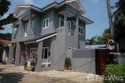 For Sale - 4 Bedroom Townhouse for sale in , Surat Thani U657952