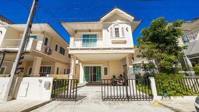 For Rent - AF0616  A house two storey for rent Near The town with 3 bedrooms, 3 toilets   The land size is 36 sq. wah